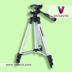 سه پایه دوربین- کادو برای عکاسان حرفه ای