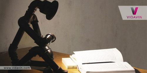 خرید کادو برای نویسنده ها- چراغ مطالعه جدید