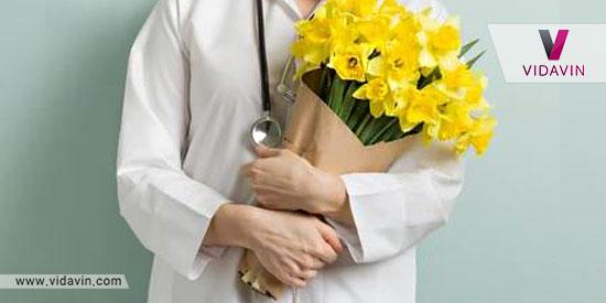 کادو برای کادر درمان گل در روزهای کرونا