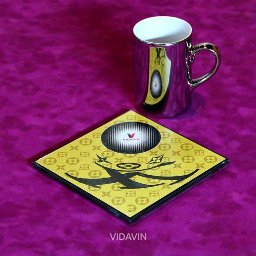 لیوان آینه ای ویداوین طرح LV عکس شماره سه